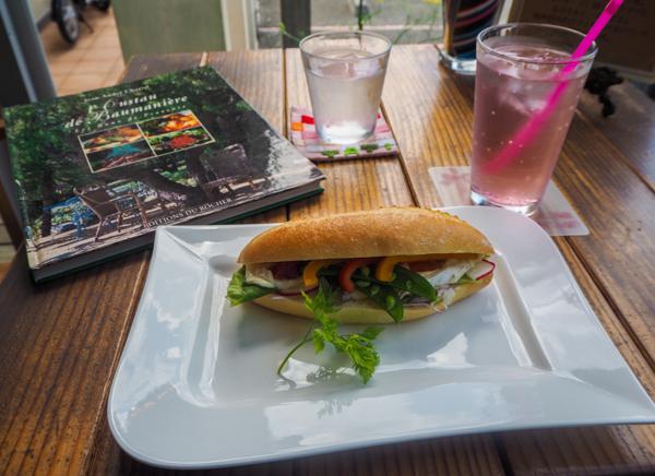 Café Jacques Tatit à Ito - L'autre Japon sur la Péninsule d'Izu au Japon