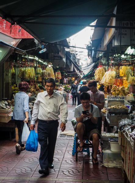 Marché à Bangkok - Visiter Bangkok: le guide pratique complet pour un premier voyage en Thaïlande et à Bangkok