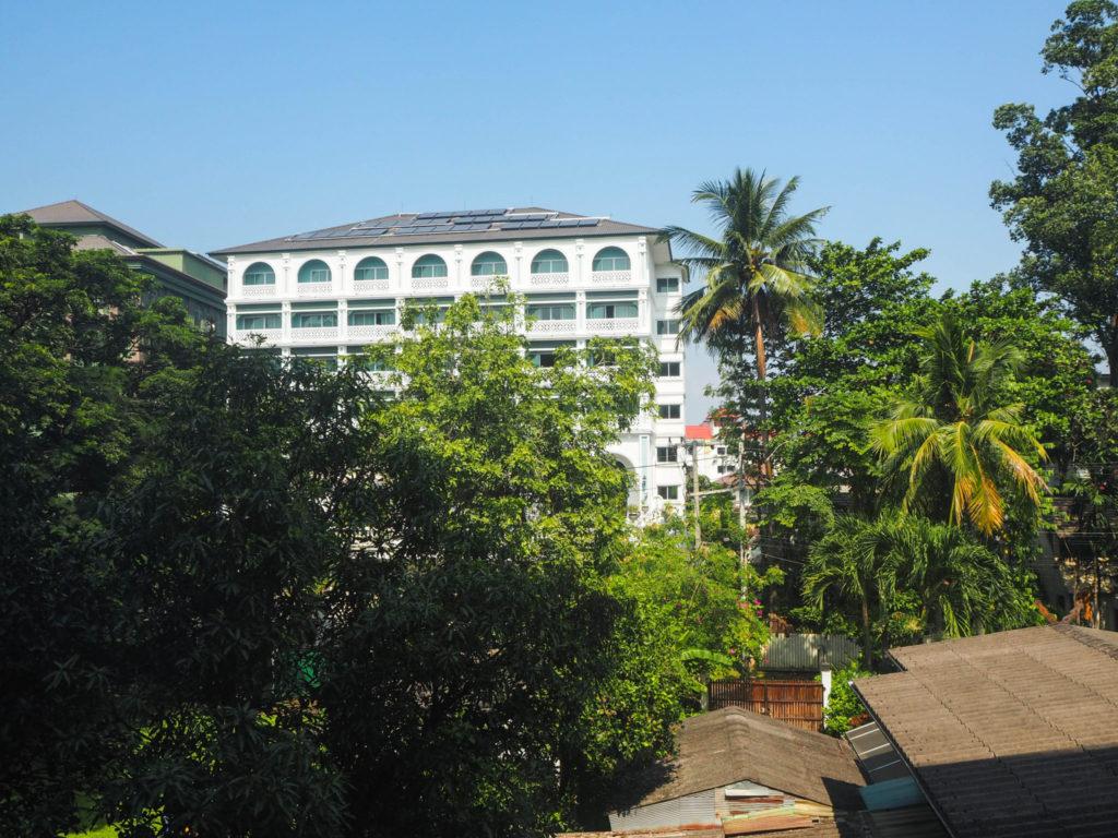 La vue depuis mon appartement à Chiang Mai - Visiter Chiang Mai : le guide pratique ultime du voyage lent et nomade à Chiang Mai en Thaïlande