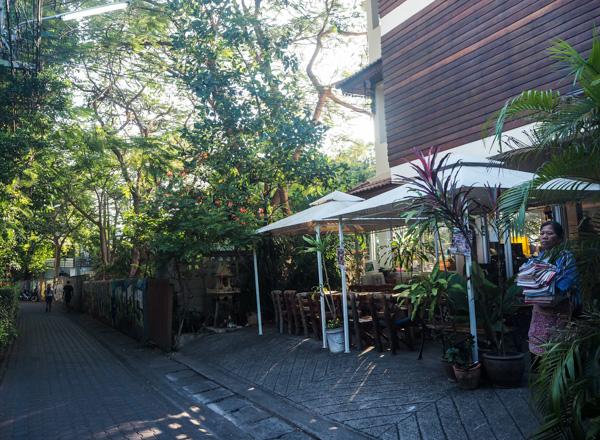 Au coeur de la vieille ville à Chiang Mai - Visiter Chiang Mai : le guide pratique ultime du voyage lent et nomade à Chiang Mai en Thaïlande