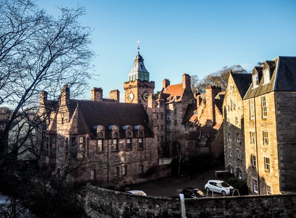Dean Village à Edimbourg - Visiter Edimbourg en hiver - Un week-end dans la capitale écossaise: visiter Edimbourg en mode slow travel / que faire en cas de pluie Edimbourg et sur les traces d'Harry Potter à Edimbourg.