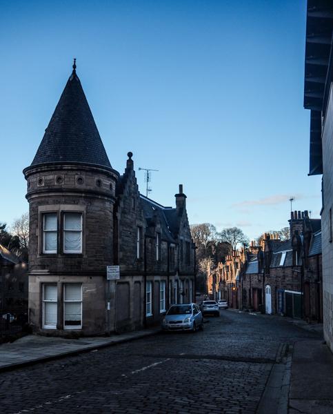 Ombres et lumière à Edimbourg - Visiter Edimbourg en hiver - Un week-end dans la capitale écossaise: visiter Edimbourg en mode slow travel / que faire en cas de pluie Edimbourg et sur les traces d'Harry Potter à Edimbourg.