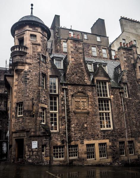Writer's Museum à Edimbourg - Visiter Edimbourg en hiver - Un week-end dans la capitale écossaise: visiter Edimbourg en mode slow travel / que faire en cas de pluie Edimbourg et sur les traces d'Harry Potter à Edimbourg.
