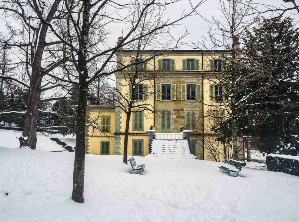 Visiter Lausanne sous la neige - Découvrir la Suisse en hiver. Le charme de Lausanne sous son manteau blanc et que faire à Lausanne sous la neige ou en cas de pluie?