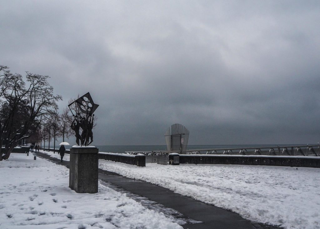Visiter Lausanne sous la neige - Découvrir la Suisse en hiver. Le charme de Lausanne sous son manteau blanc et que faire à Lausanne sous la neige ou en cas de pluie? - Ouchy