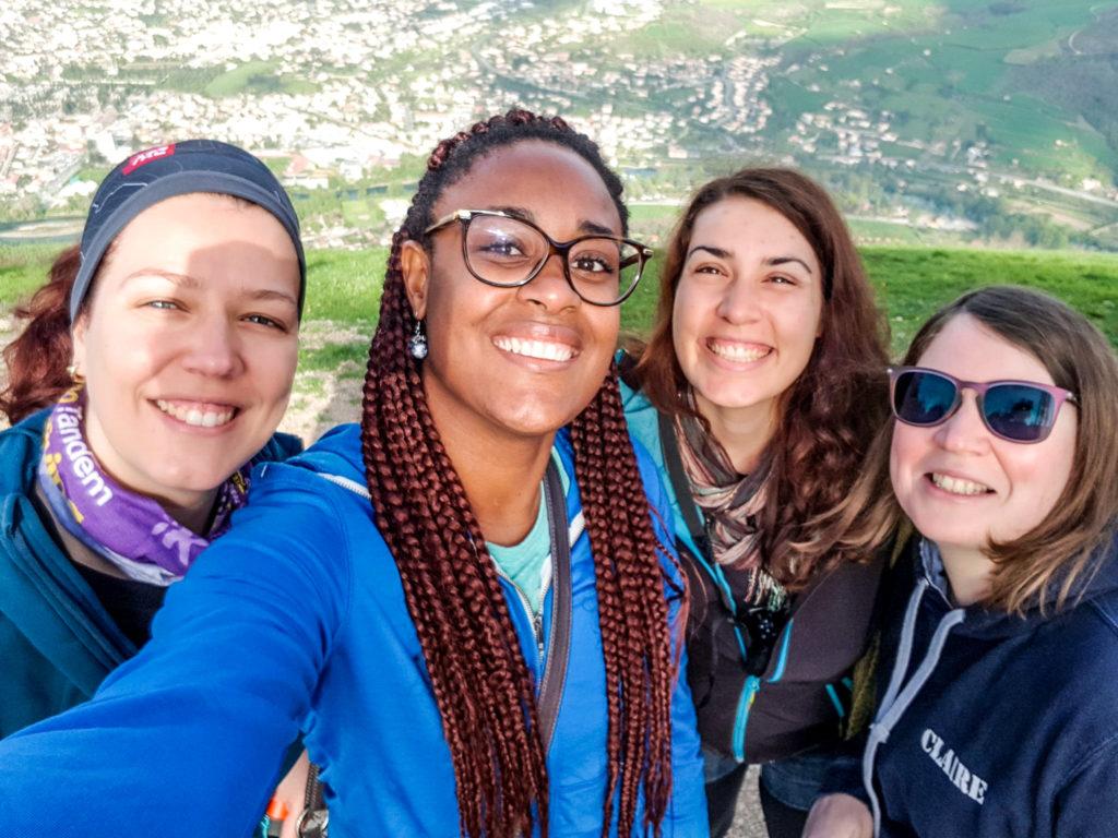 L'équipe féminine de parapente à Millau - Visiter Millau sur la terre et dans les airs
