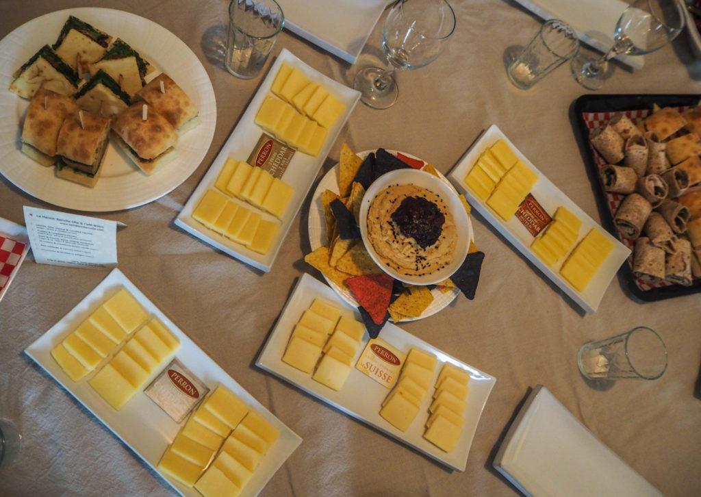 Dégustation des fromages Perron - Visiter la région du Saguenay Lac Saint-Jean