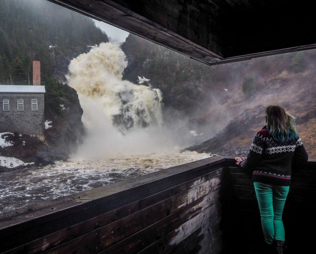 Chute Ouiatchan au Village historique de Val Jalbert - Visiter la région du Saguenay Lac Saint-Jean