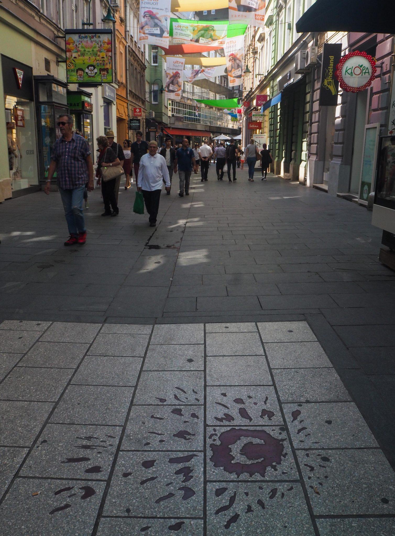 Les Roses de Sarajevo - Visiter Sarajevo, la capitale de la Bosnie-Herzégovine: un été nomade à Sarajevo, un coup de coeur! Que faire et que visiter à Sarajevo? Le guide pratique complet pour découvrir Sarajevo et la Bosnie