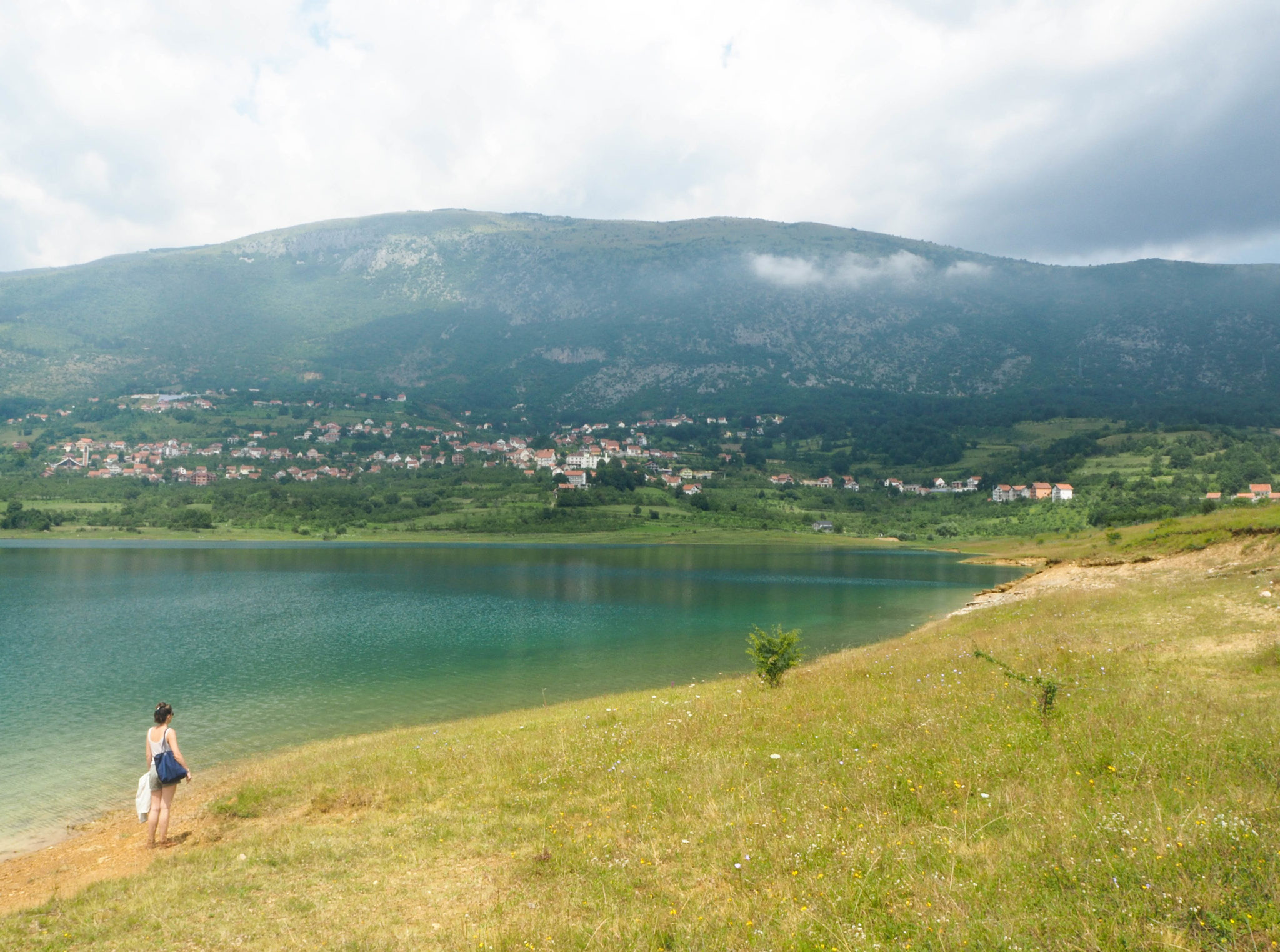 Les sublimes paysages et vues sur Ramsko Jezero, le lac de Rama en Bosnie-Herzégovine - Un été nomade en Bosnie - Voyages et Vagabondages, le blog du voyage en solo et au féminin