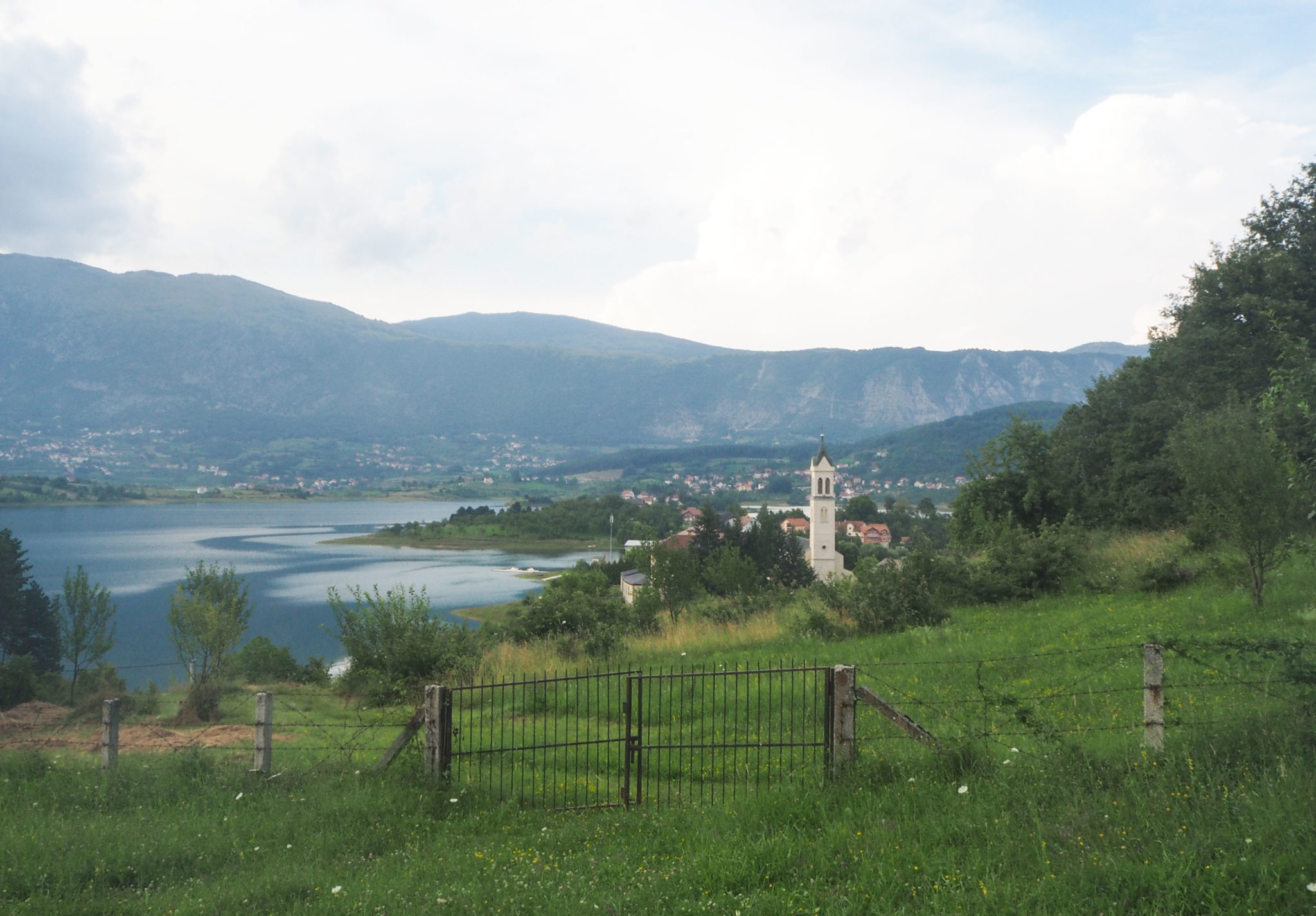 Monastère de Scit à Ramsko Jezero, le lac de Rama en Bosnie-Herzégovine - Un été nomade en Bosnie - Voyages et Vagabondages, le blog du voyage en solo et au féminin