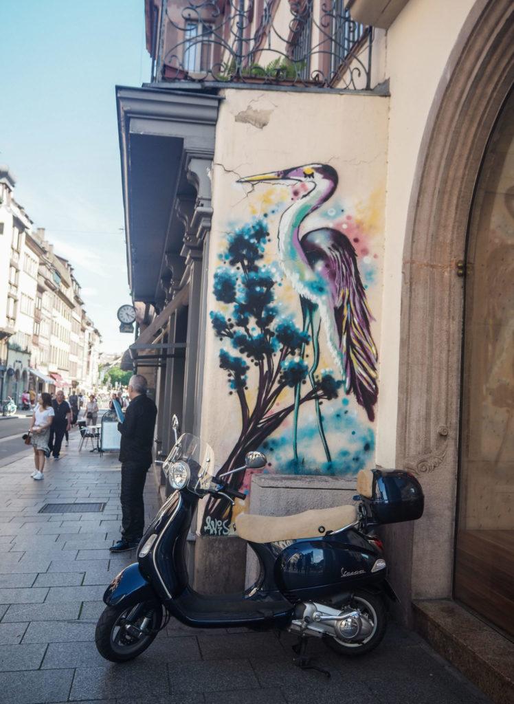Street Art à Strasbourg - Visiter Strasbourg au fil de l'eau: 2 jours dans la capitale alsacienne entre amies - Par Voyages et Vagabondages, le blog du voyage en solo au féminin - Récit, photos, conseils, idées de visite et bonnes adresses pour visiter Strasbourg