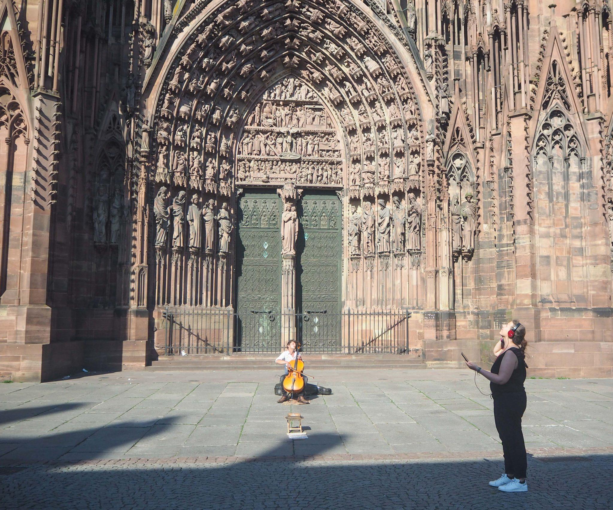 Visite autonome avec l'application Popguide- Cathédrale Notre Dame de Strasbourg - Visiter Strasbourg au fil de l'eau: 2 jours dans la capitale alsacienne entre amies - Par Voyages et Vagabondages, le blog du voyage en solo au féminin - Récit, photos, conseils, idées de visite et bonnes adresses pour visiter Strasbourg