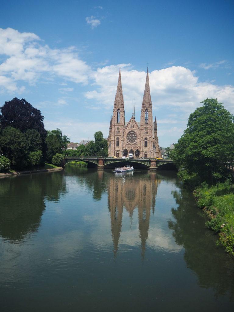 Flâner sur la Grande Île de Strasbourg - Visiter Strasbourg au fil de l'eau: 2 jours dans la capitale alsacienne entre amies - Par Voyages et Vagabondages, le blog du voyage en solo au féminin - Récit, photos, conseils, idées de visite et bonnes adresses pour visiter Strasbourg