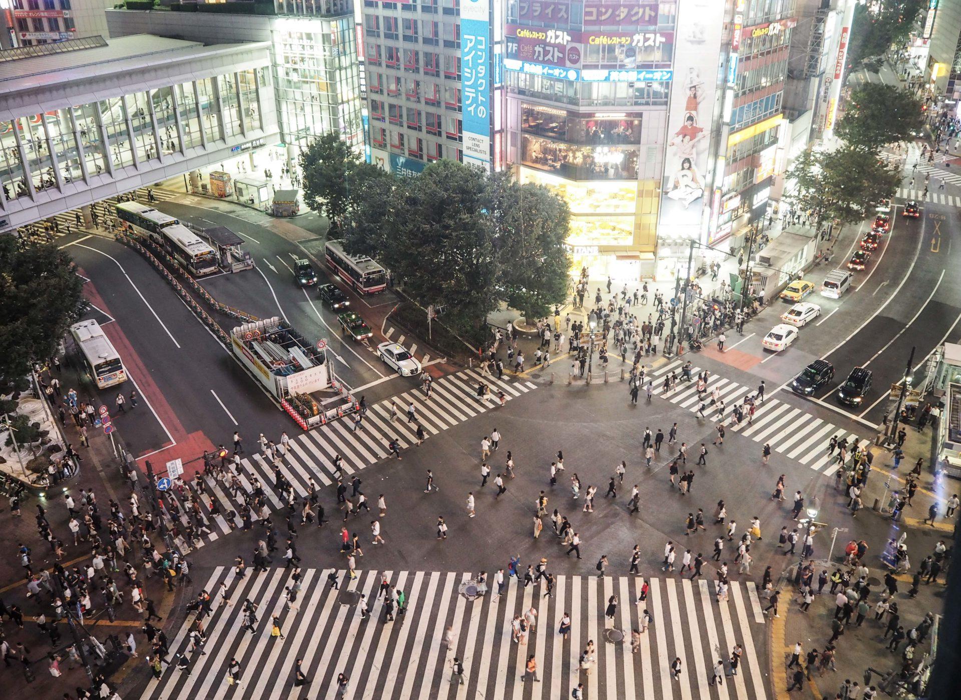 Carrefour de Shibuya à Tokyo - Escale à Tokyo: 24h dans la capitale du Japon - Tokyo en 24h - Récit et itinéraire pour visiter Tokyo en une journée