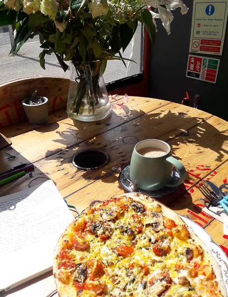 Café Kombucha, un café vegan à Elgin